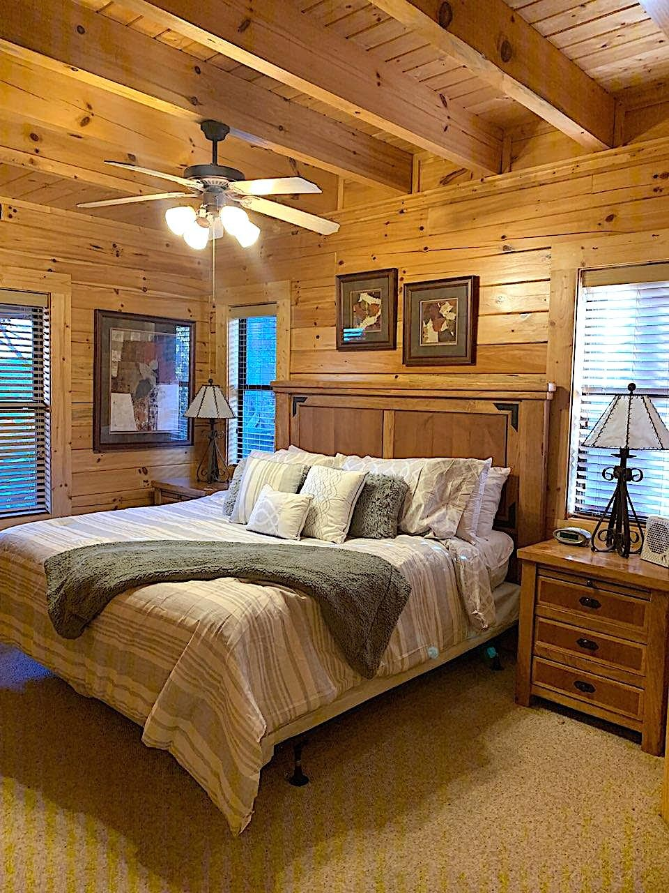 10 Min 2 Pigeon Forge Pkwy/Gorgeous Cabin/Hot Tub photo 16796866