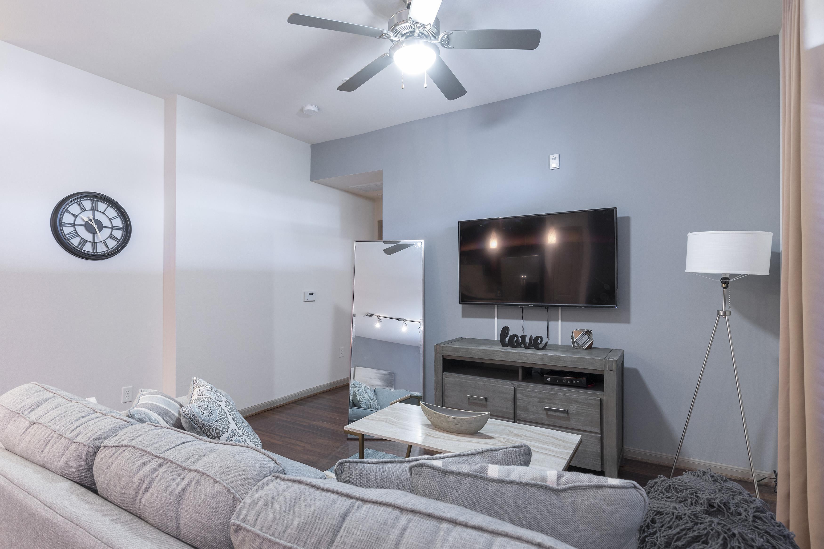 Apartment LUXURIOUS MIDTOWN PARISIAN CONDO photo 21441239