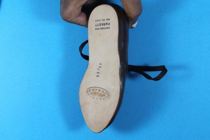 Two Shoes thumbnail 4