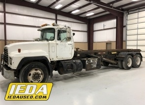 Used 1999 Mack RD688S For Sale