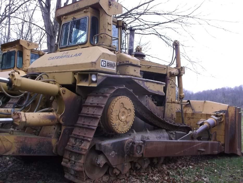 Detail photo of 1982 Caterpillar D9L from Construction Equipment Guide