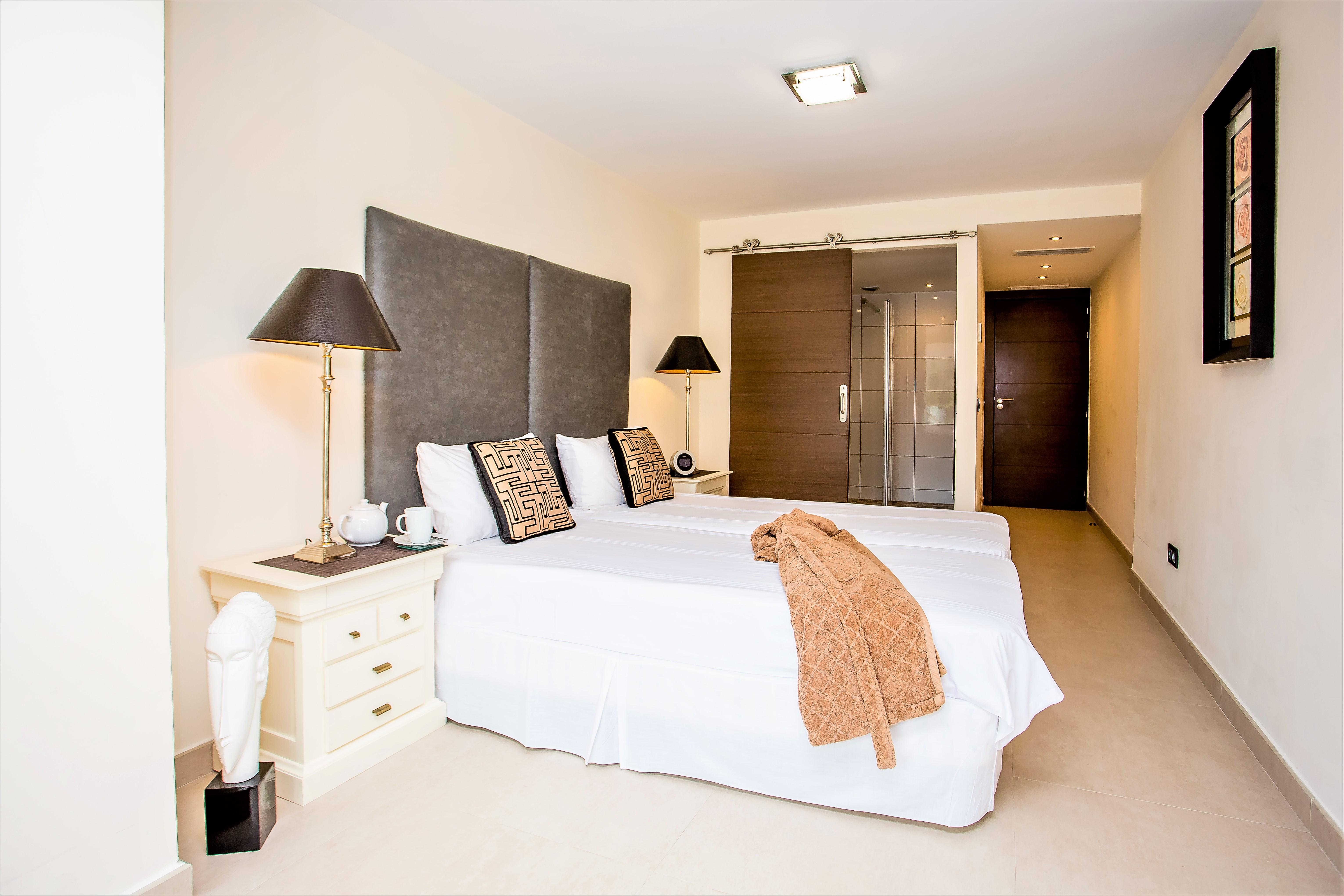 Apartment 4 B R  VILLA by Puerto Banus   Sea 5 m                                photo 20281210