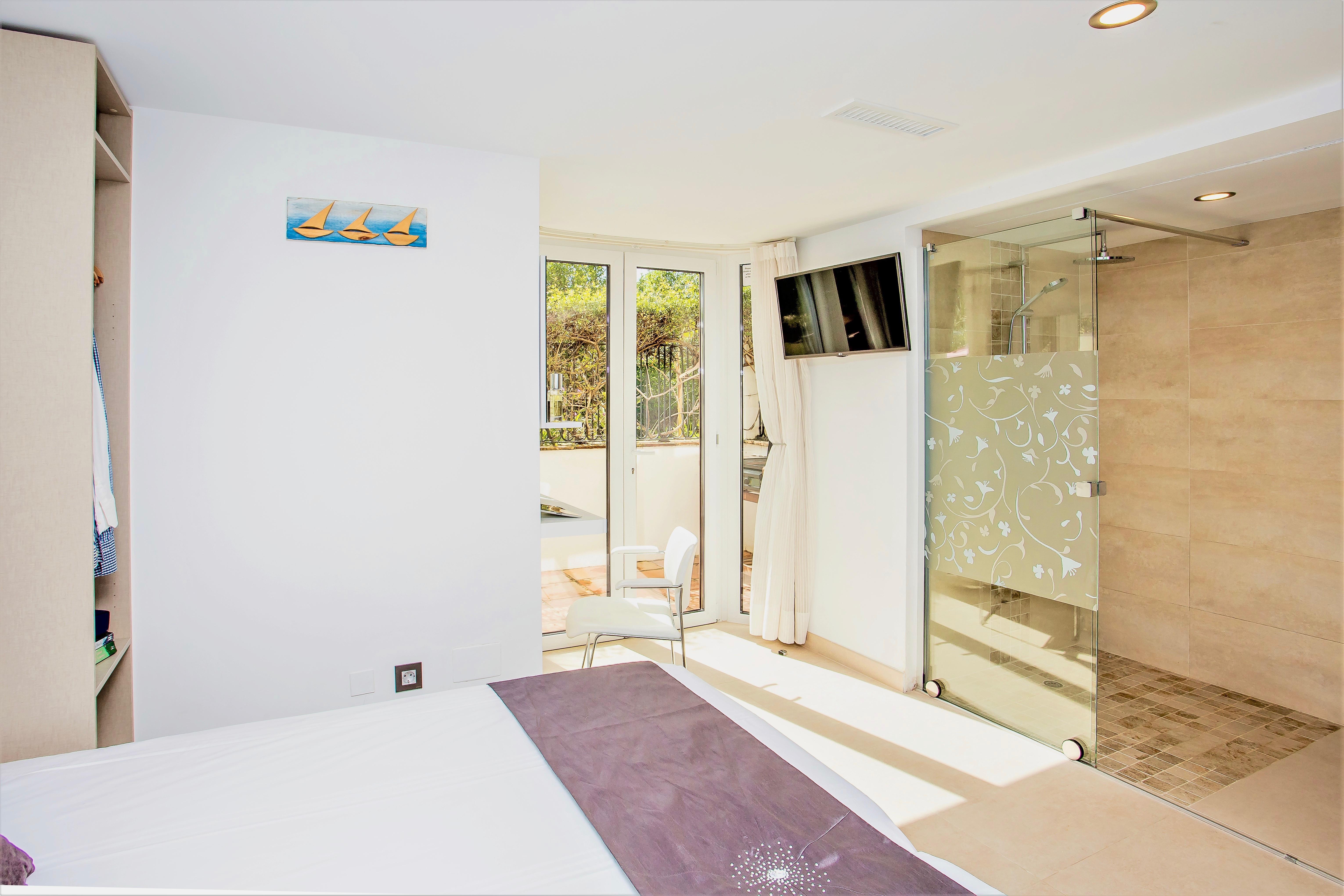 Apartment 8 Bedroom VILLA BY PUERTO BANUS   SEA 5 min                                photo 16956480