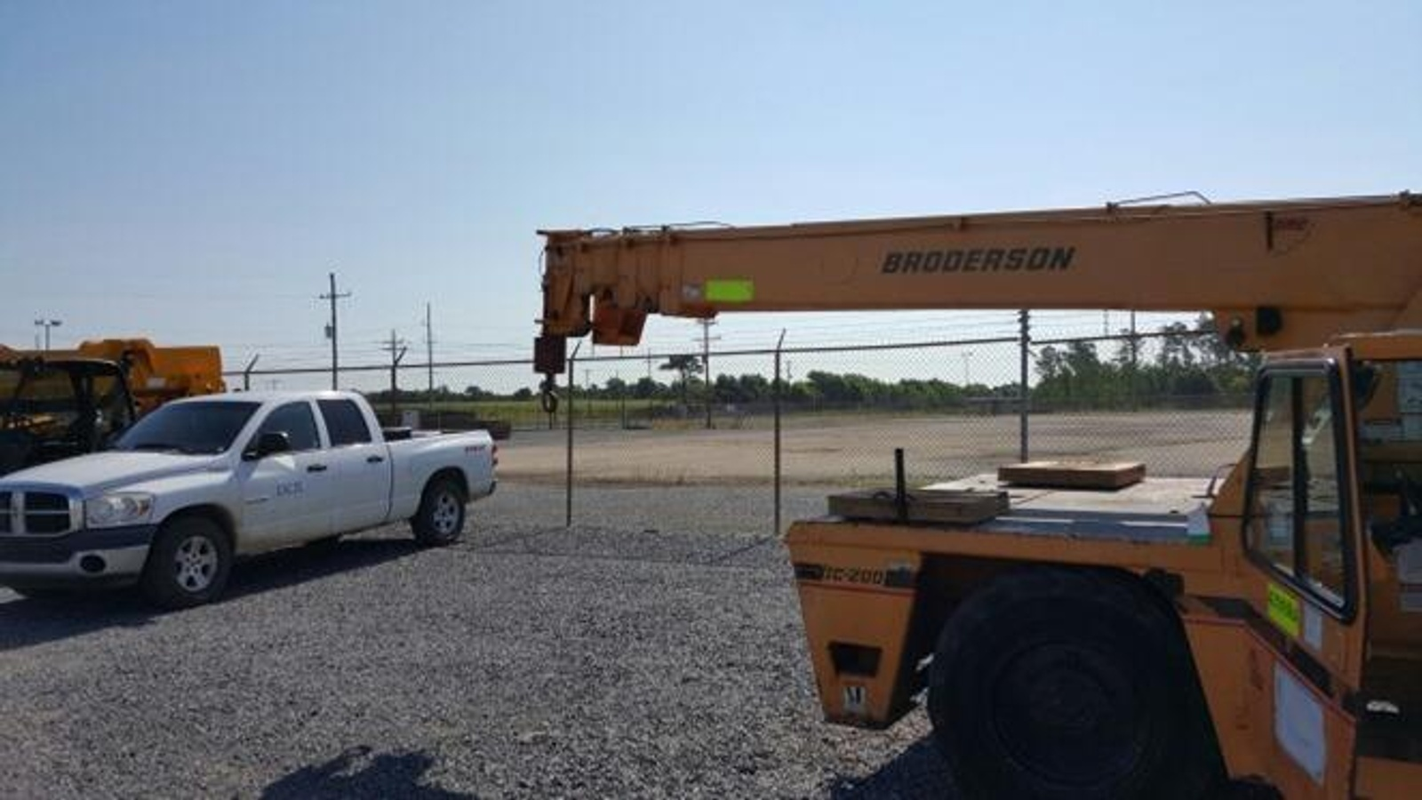 2002 Broderson IC200-3D For Sale - Aerial Titans Inc