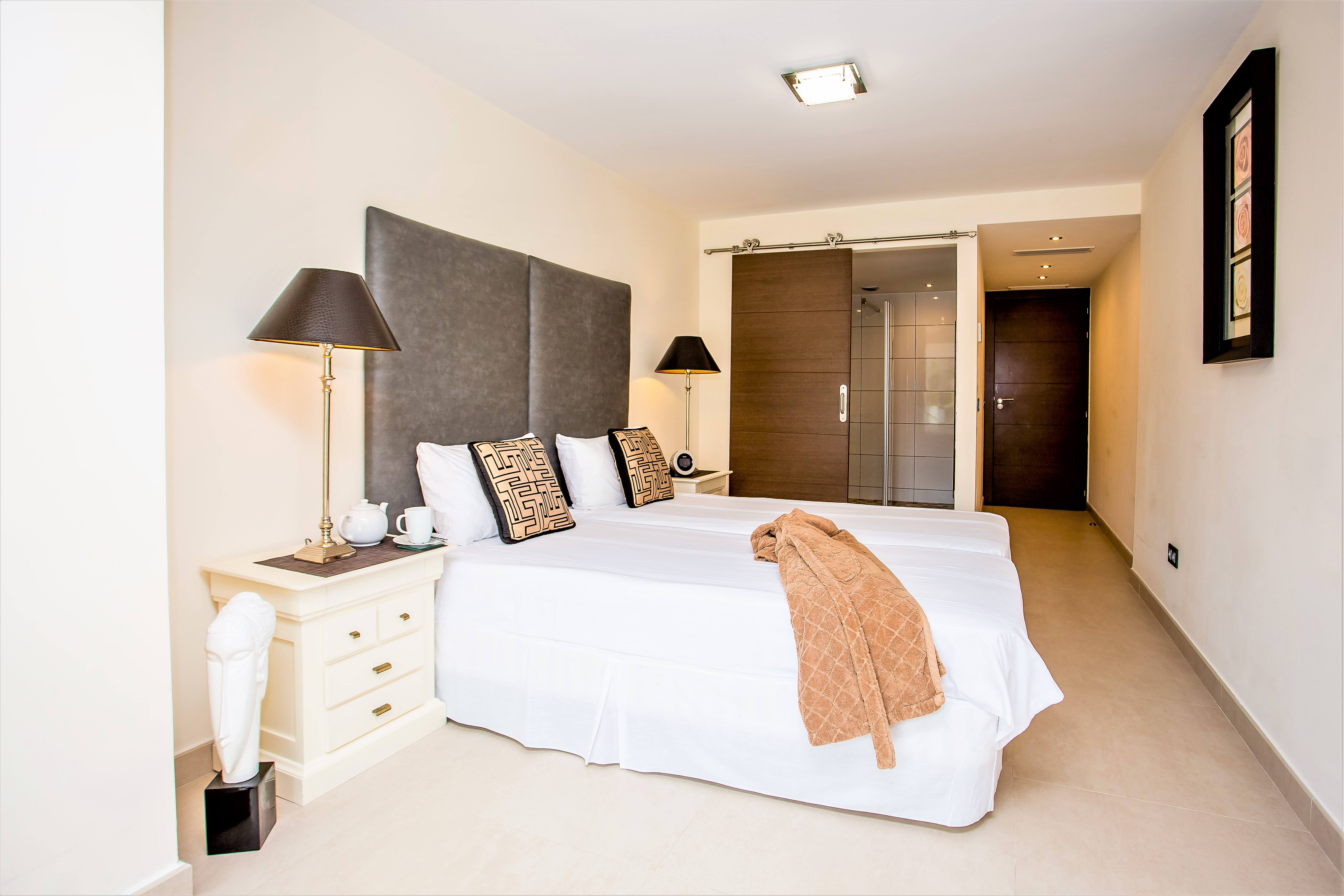 Apartment 5 B R VILLA BY PUERTO BANUS   SEA 5min                                photo 20203641