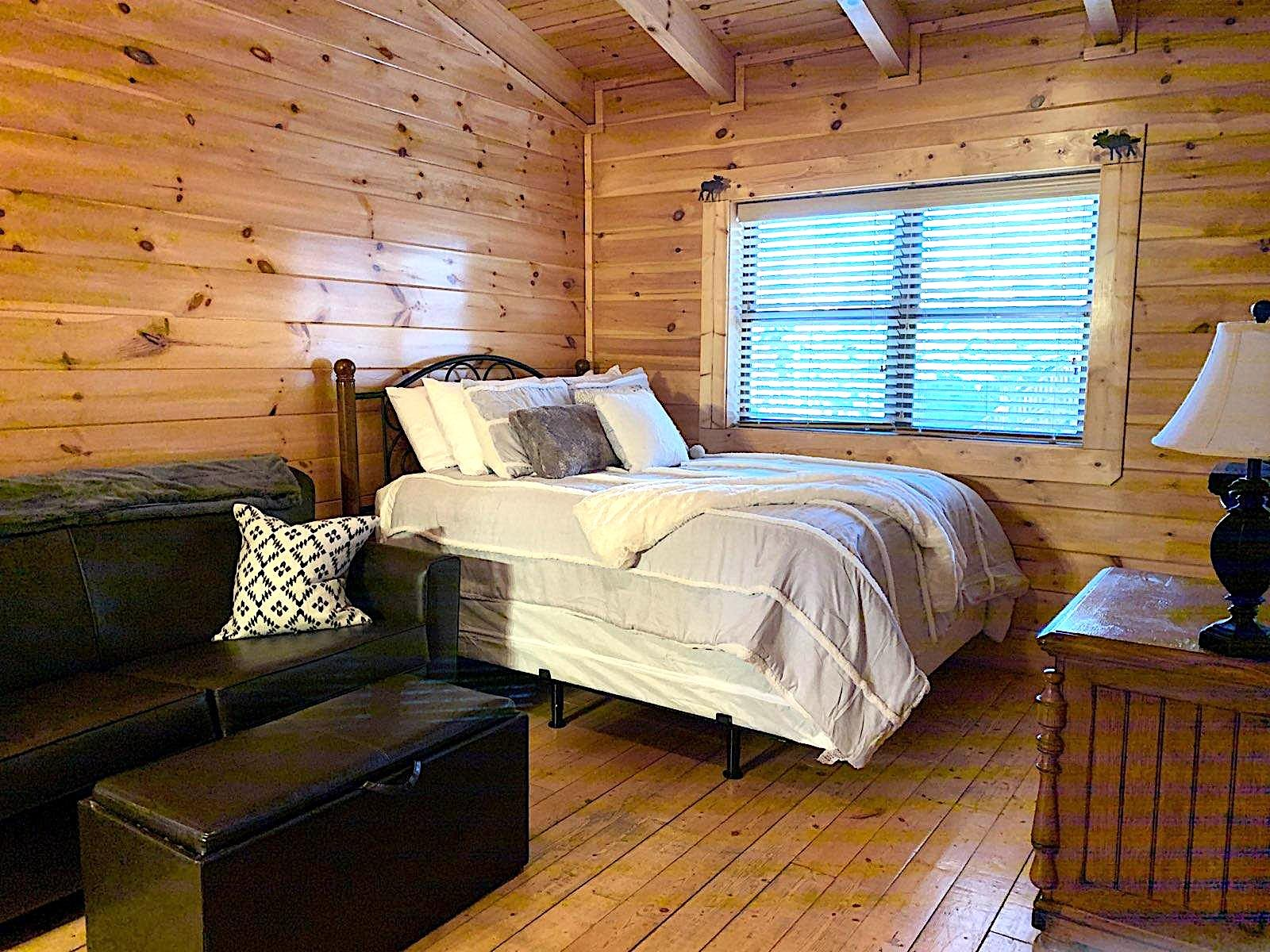 10 Min 2 Pigeon Forge Pkwy/Gorgeous Cabin/Hot Tub photo 20371451