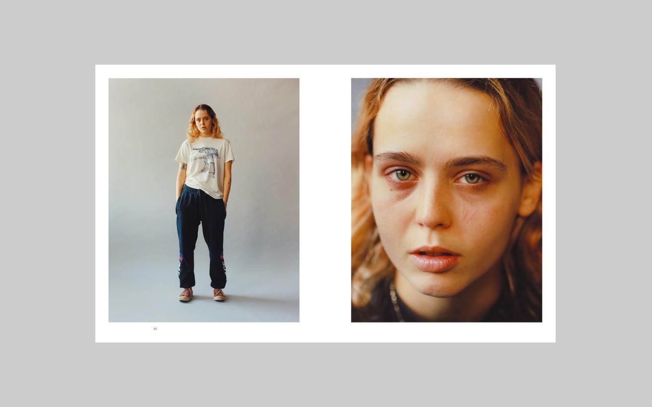 Lola & Pani Studio Portraits 2015 - 20 thumbnail 2