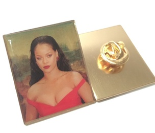Rihanna Lisa Pin