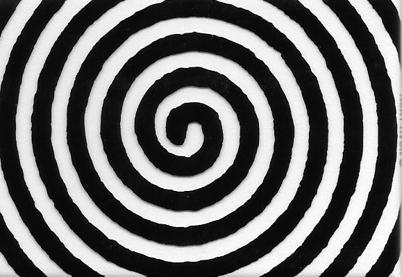 Glow-in-the-Dark Spiral Magnet thumbnail 1