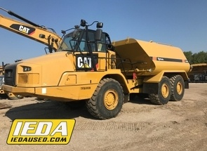 Used 2014 Caterpillar 725C For Sale