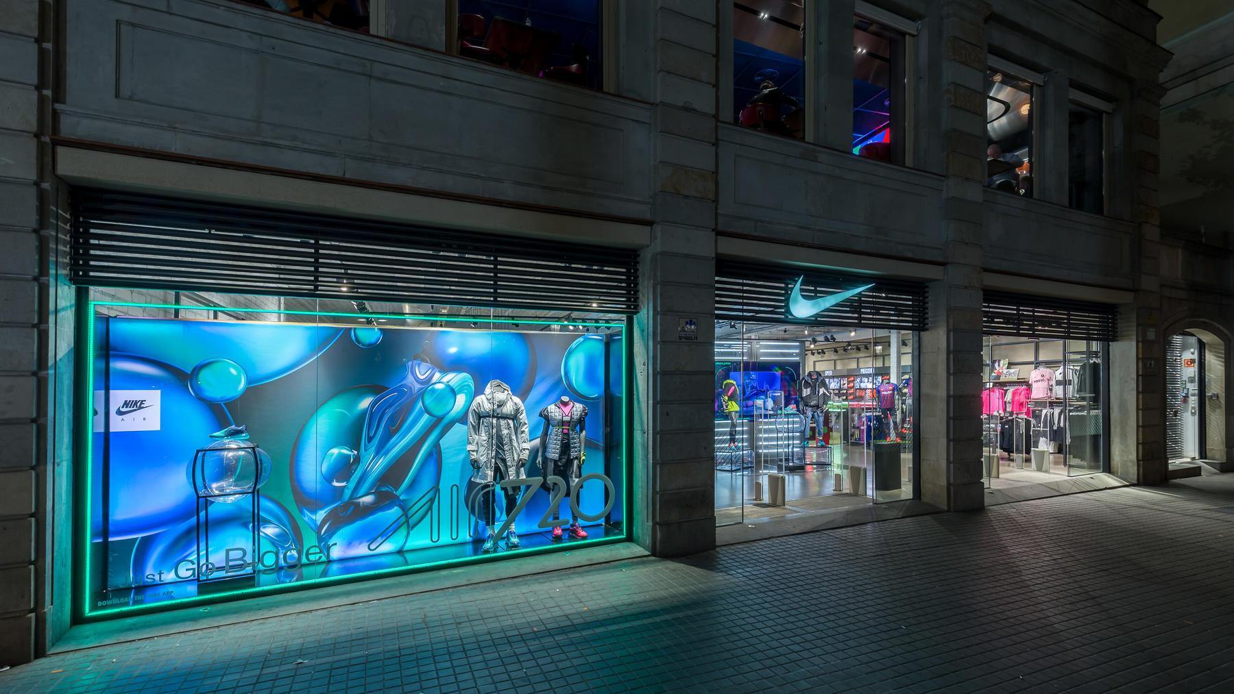 ad9b080e3bb14 Nike Store Las Ramblas. Barcelona