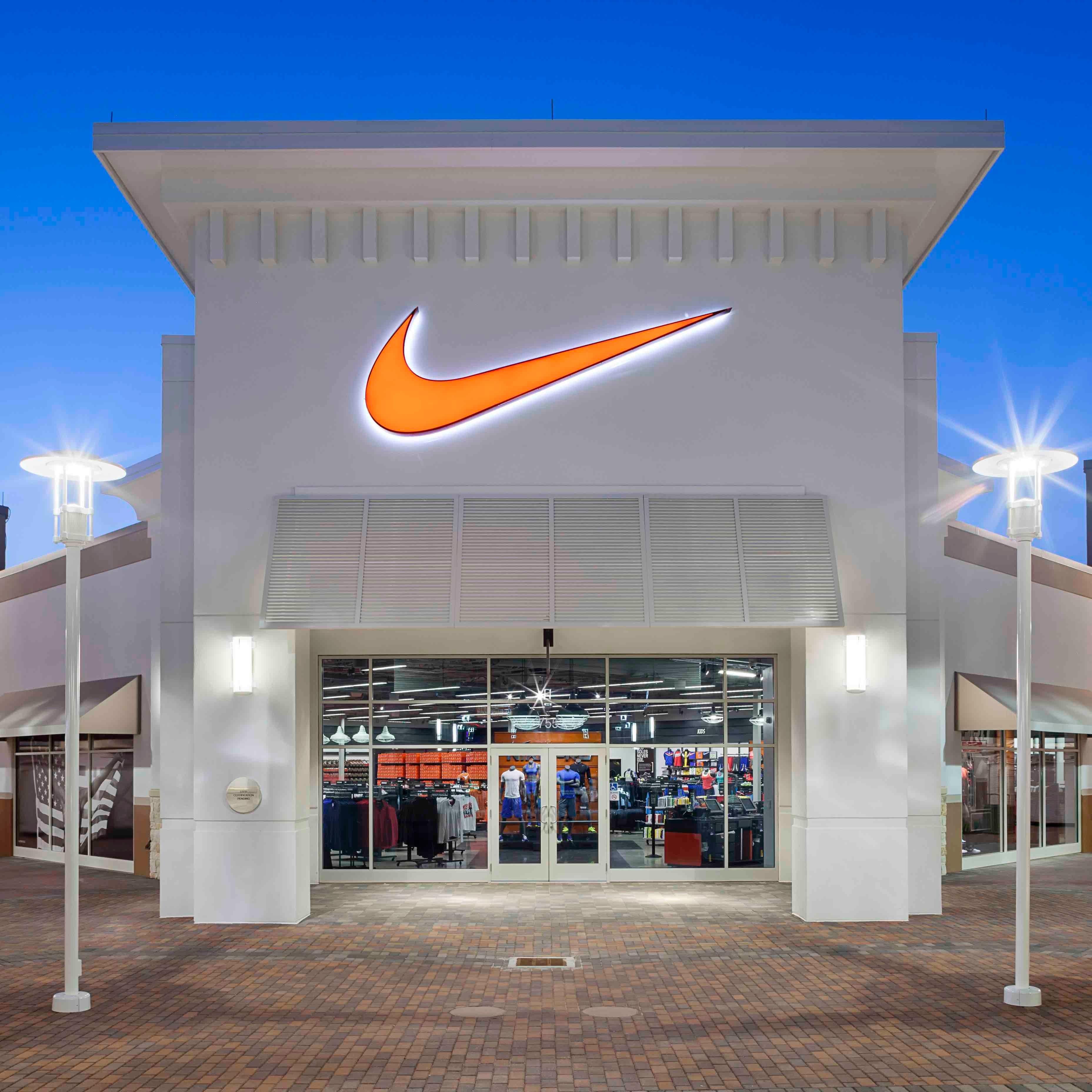 No de moda tranquilo reserva  Nike Factory Store - Park City