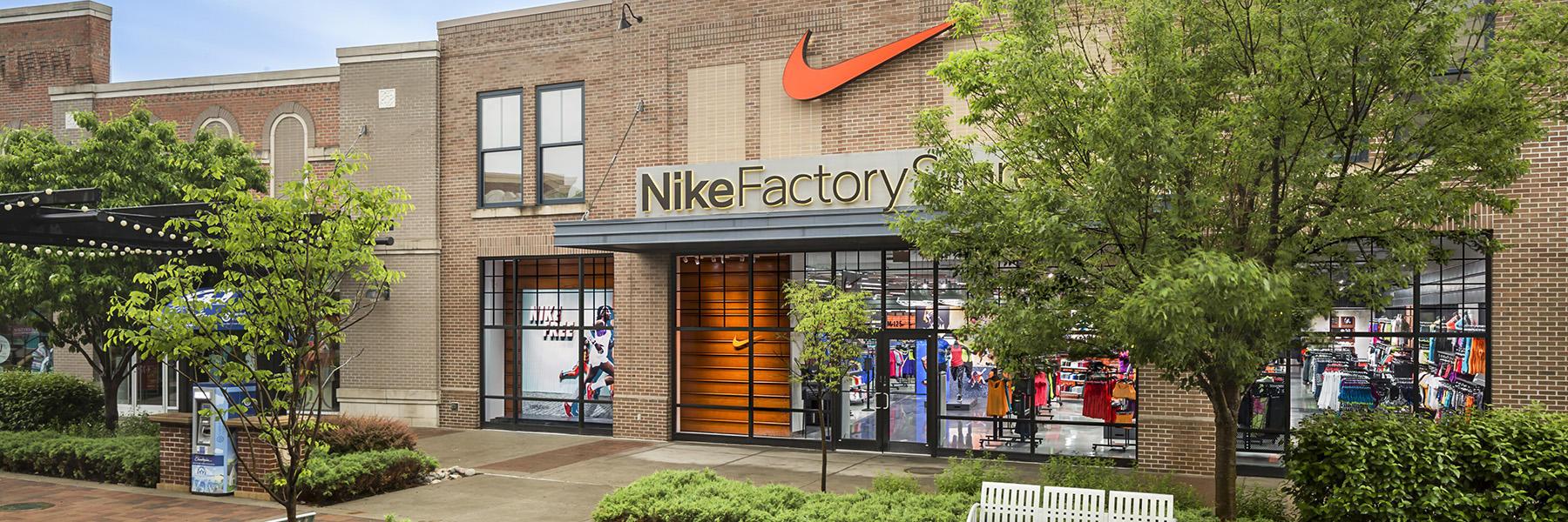 buy popular bc5a0 8d7d9 Nike Store Locator
