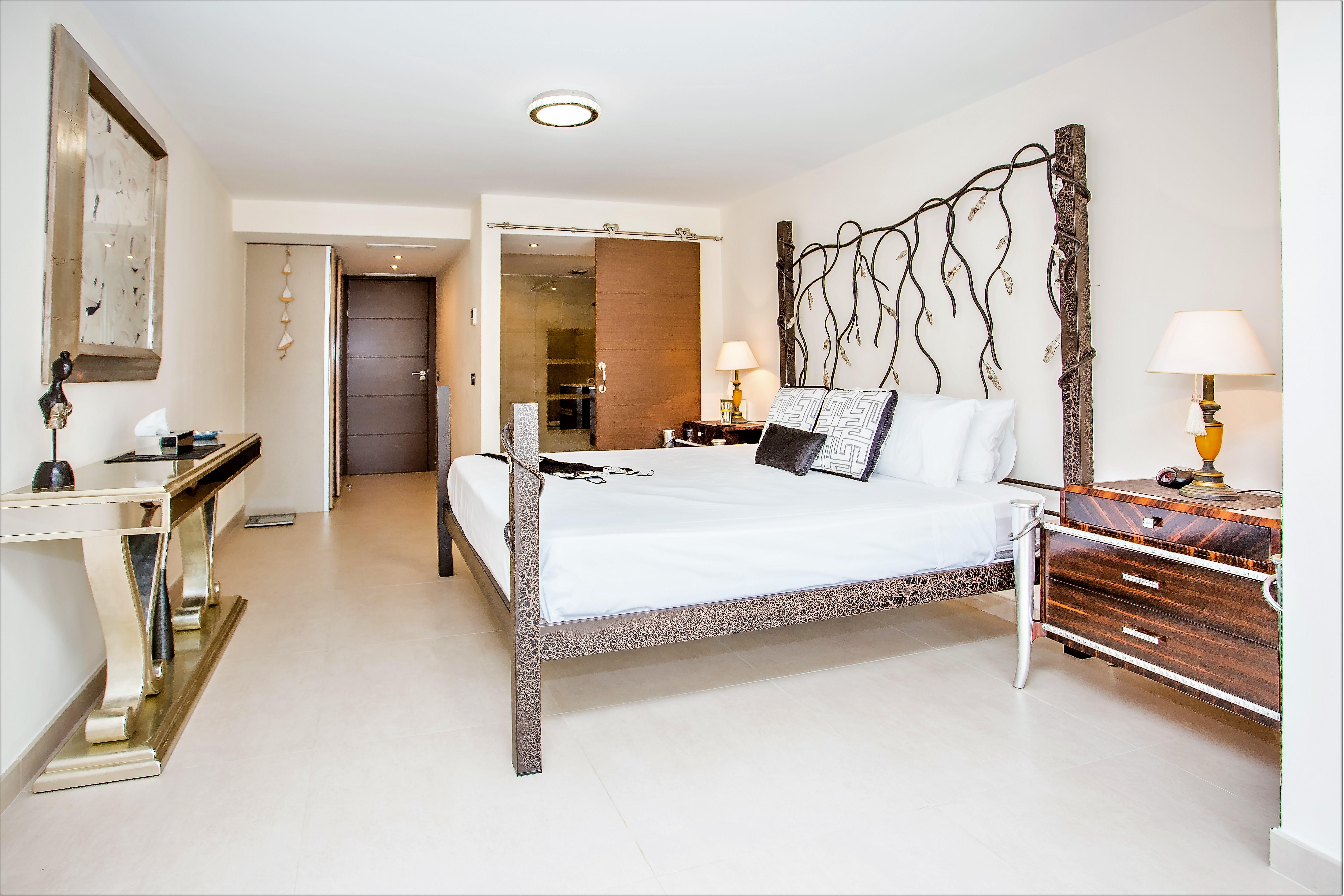 Apartment 8 Bedroom VILLA BY PUERTO BANUS   SEA 5 min                                photo 16956476