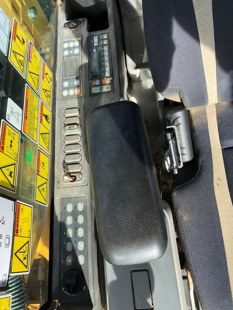 Used 2015 Caterpillar 323FL w/ shear For Sale