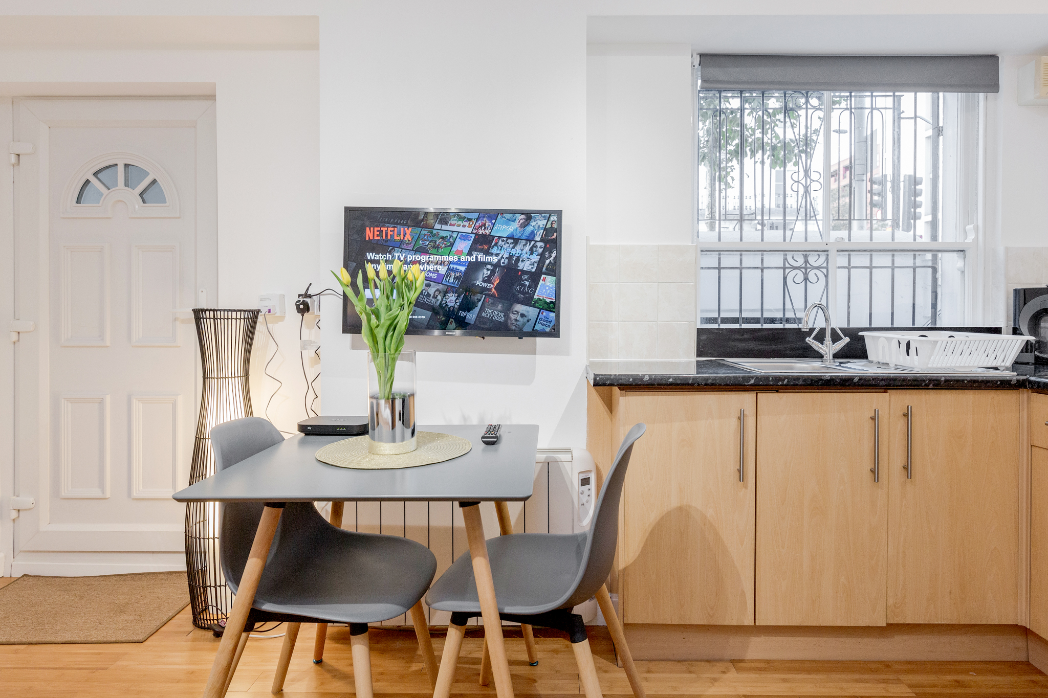 Professionally cleaned Beautiful studio apartment on Kings Road, Chelsea photo 20330195