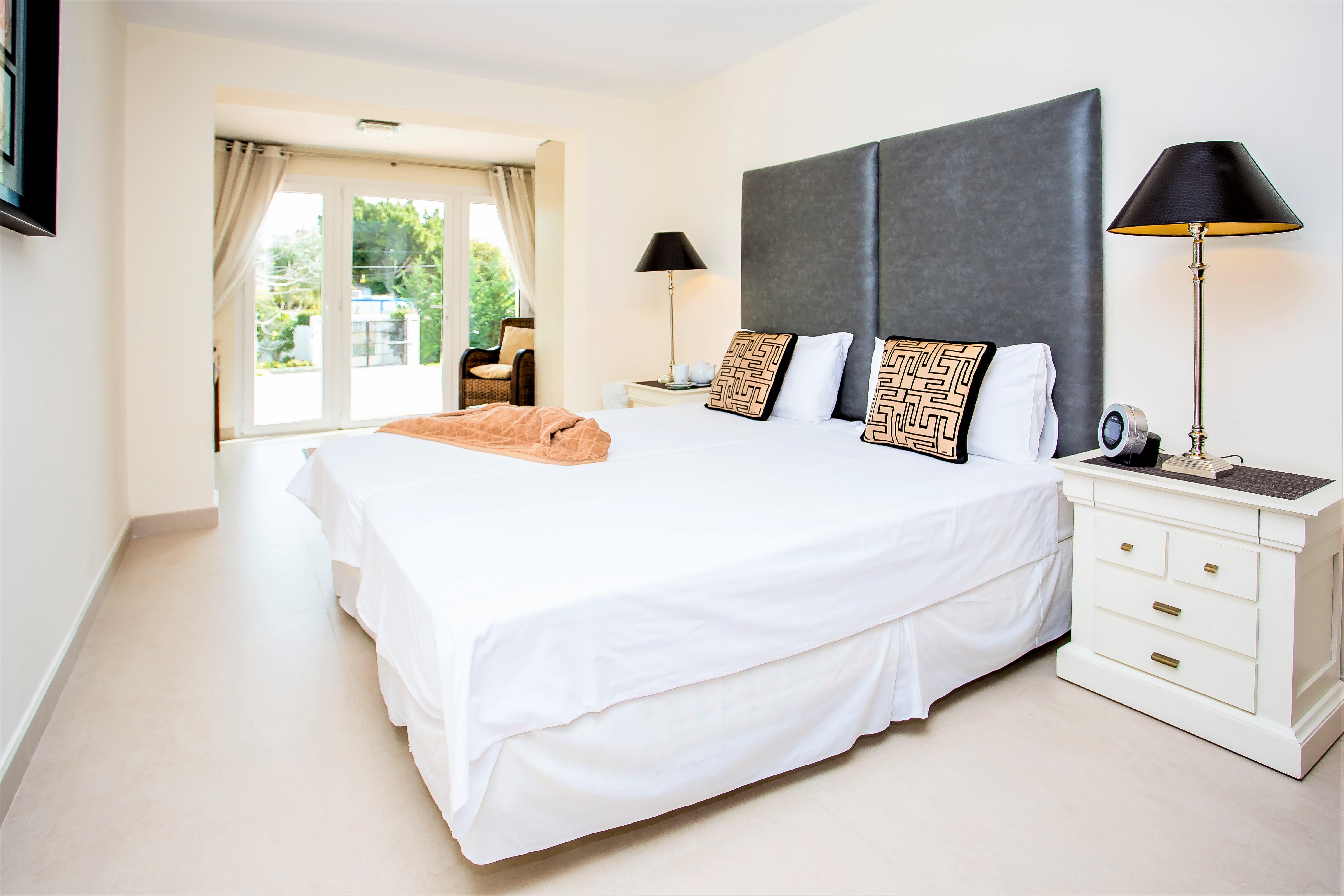 Apartment 4 B R  VILLA by Puerto Banus   Sea 5 m                                photo 20433348