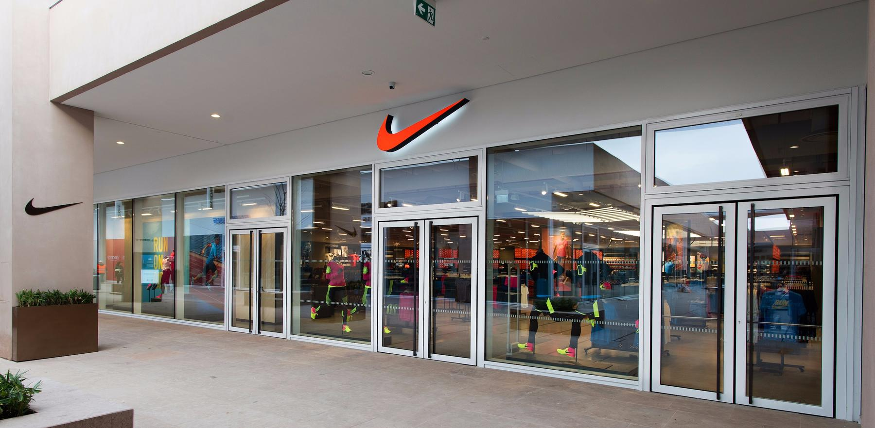 Torino Store Factory Nike Torinese Settimo x6q0ZYwO