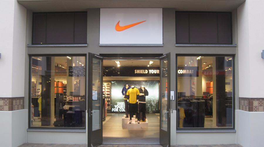 424004864f5 Nike Store Suchen