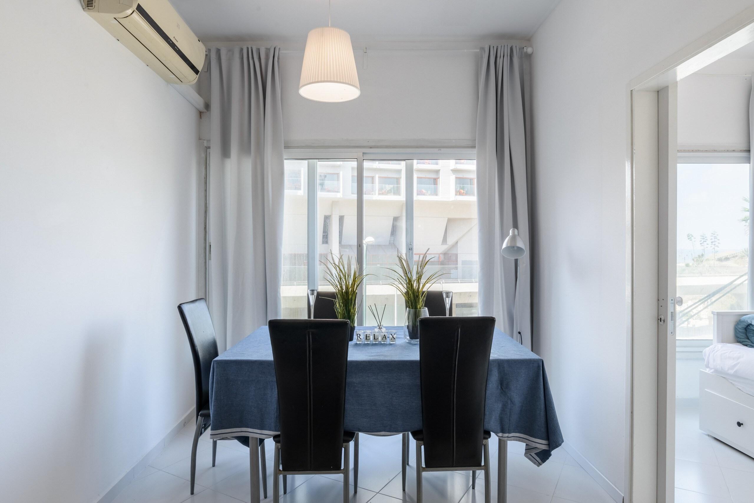 Apartment Sea View 2 bedroom apartment next to Hilton beach photo 21105509
