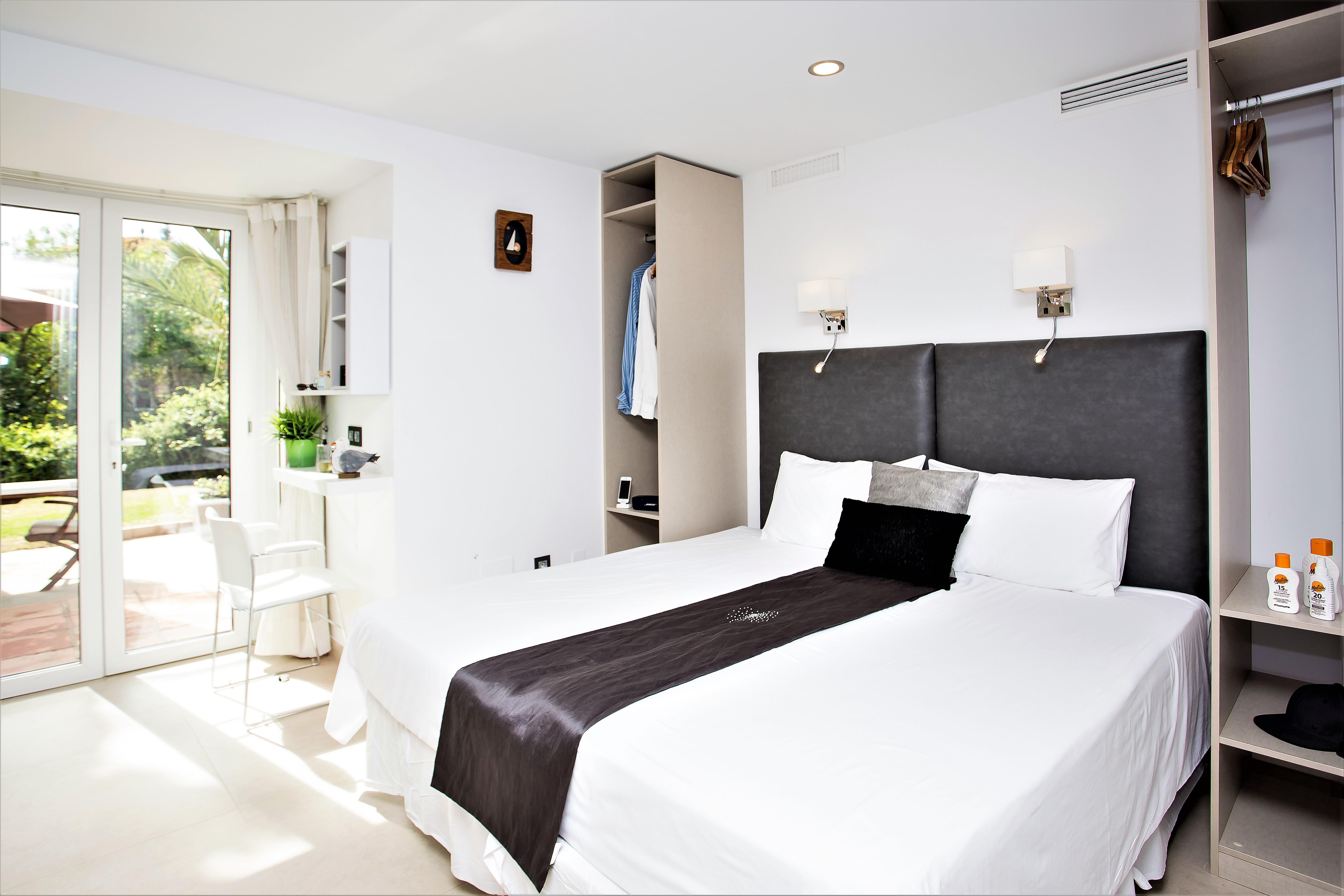 Apartment 4 B R  VILLA by Puerto Banus   Sea 5 m                                photo 20433350