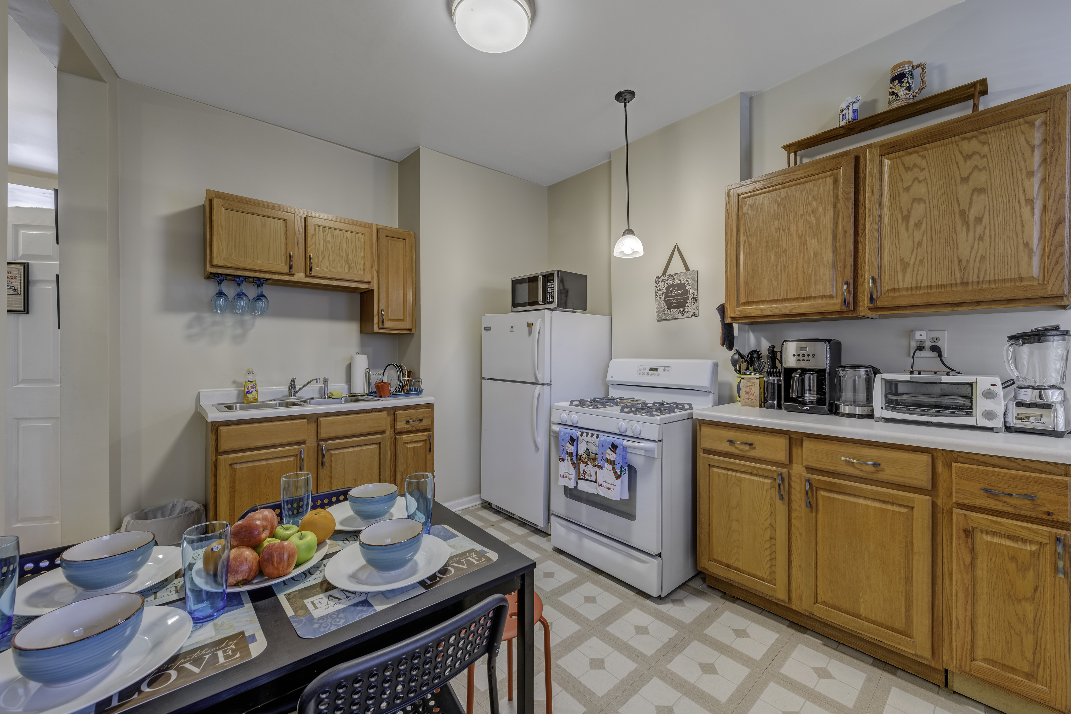 Apartment D-L-2 Historical Pullman - furnished apartments 2 Bdrm photo 23584660