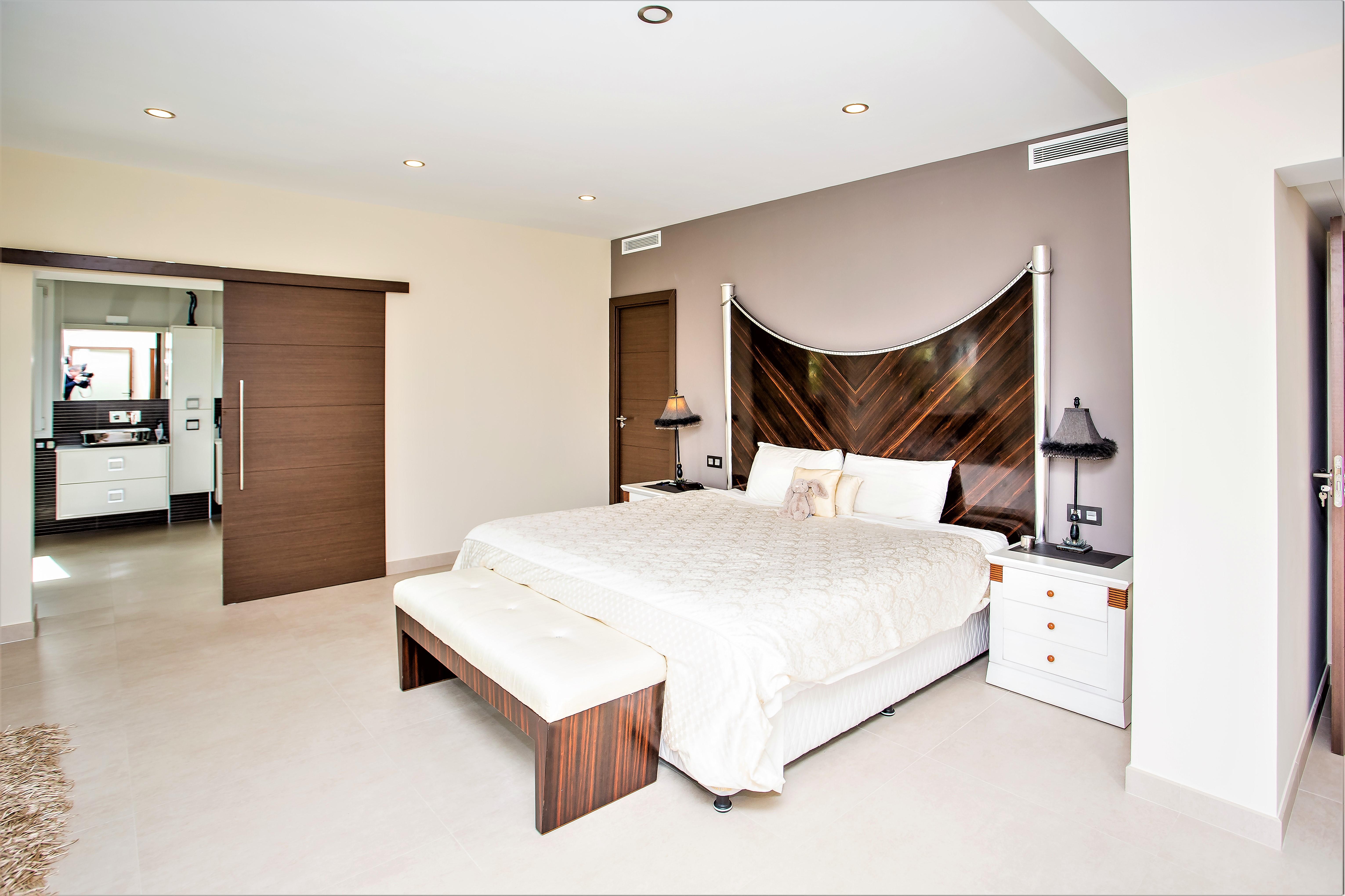 Apartment 6 B R VILLA BY PUERTO BANUS   SEA 5min                                photo 20341576