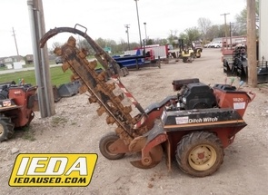 Used 1999 Ditch Witch 1820 For Sale