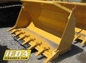 Used  Liebherr 2.35 CU YD GP BUCKET W/TEETH For Sale
