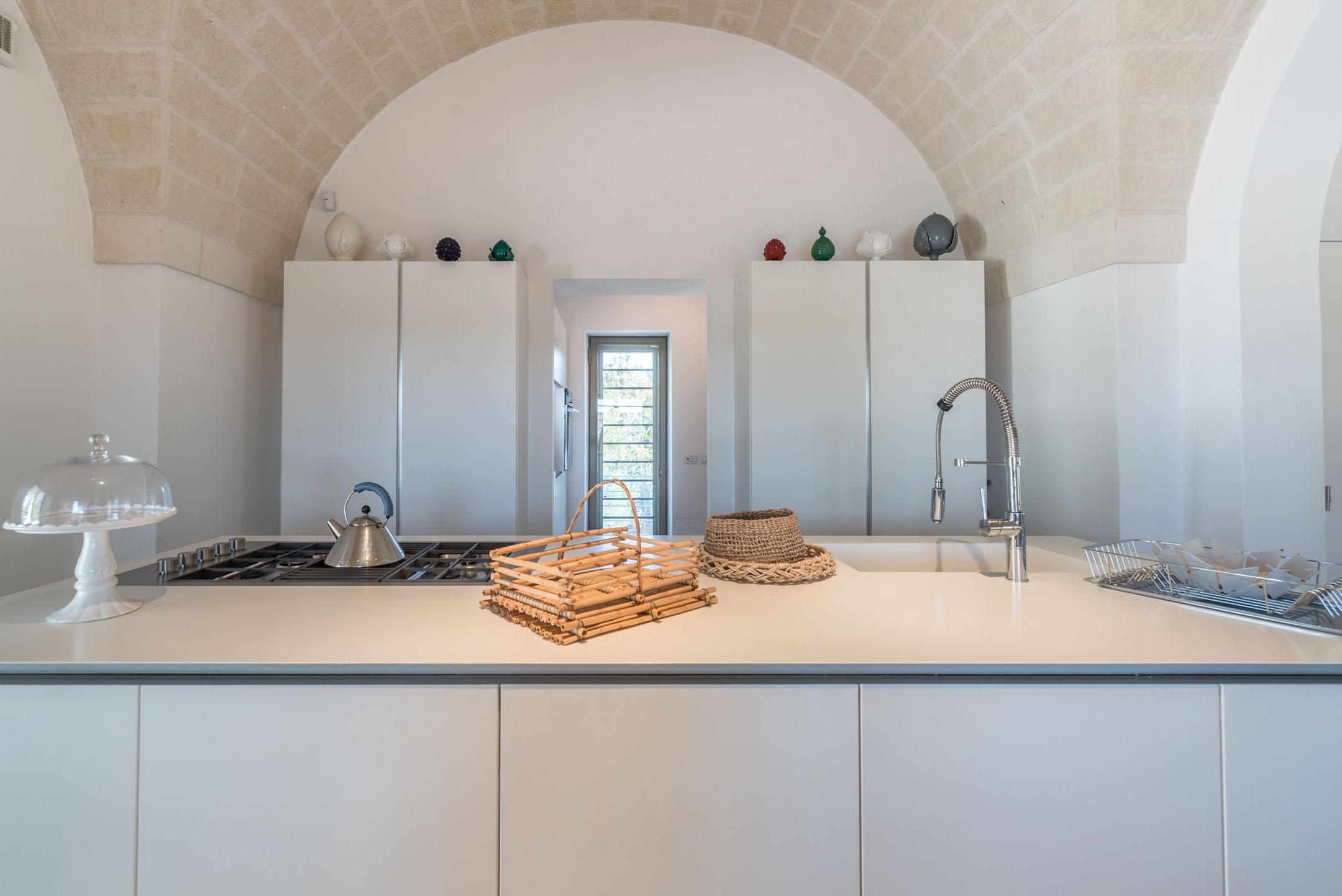 Modern 4 bedroom Puglia trullo with pool
