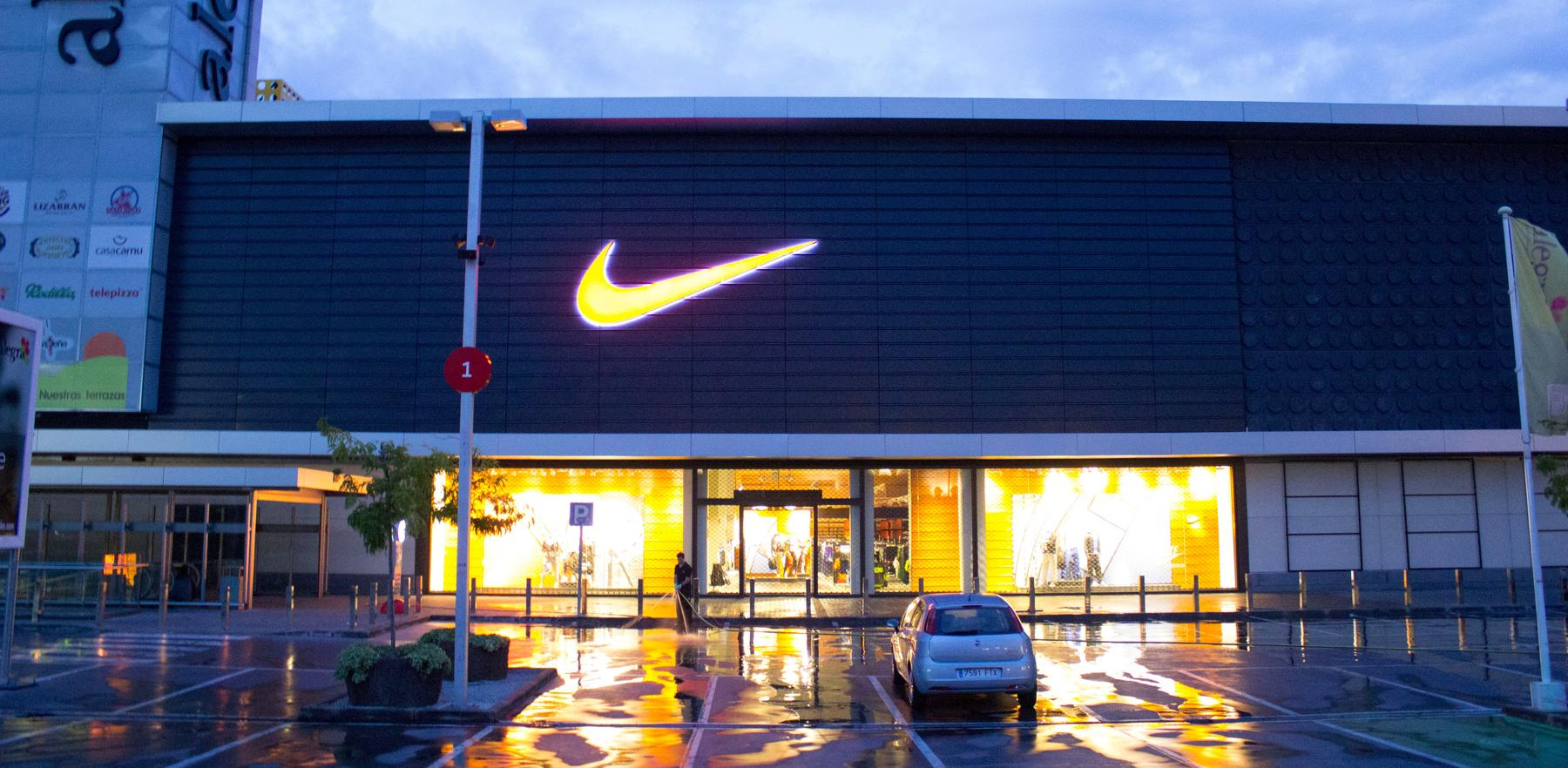 71655287bd6b8 Nike Factory Store Madrid SSRR. Madrid