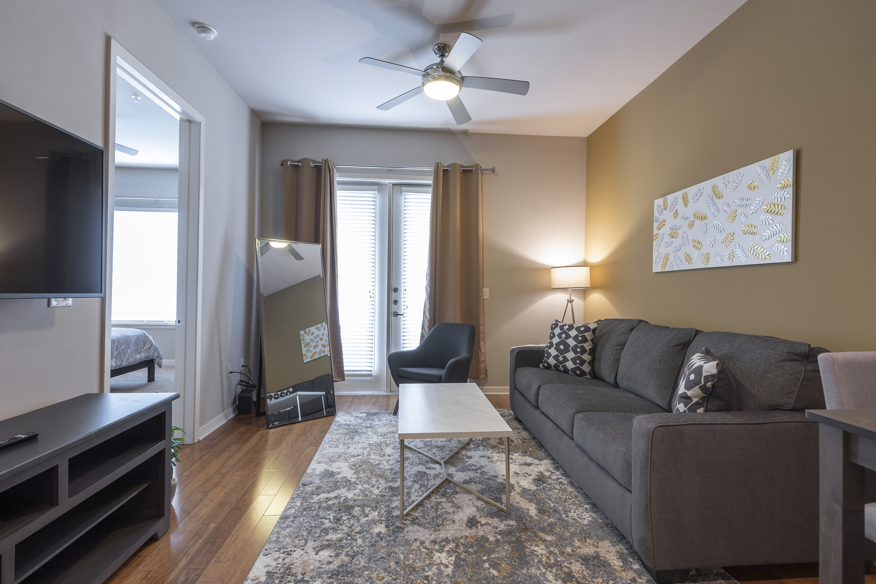 Apartment LUXURIOUS - KING SIZED BED - MED CENTER FULLY EQUIPPED CONDO photo 21441044