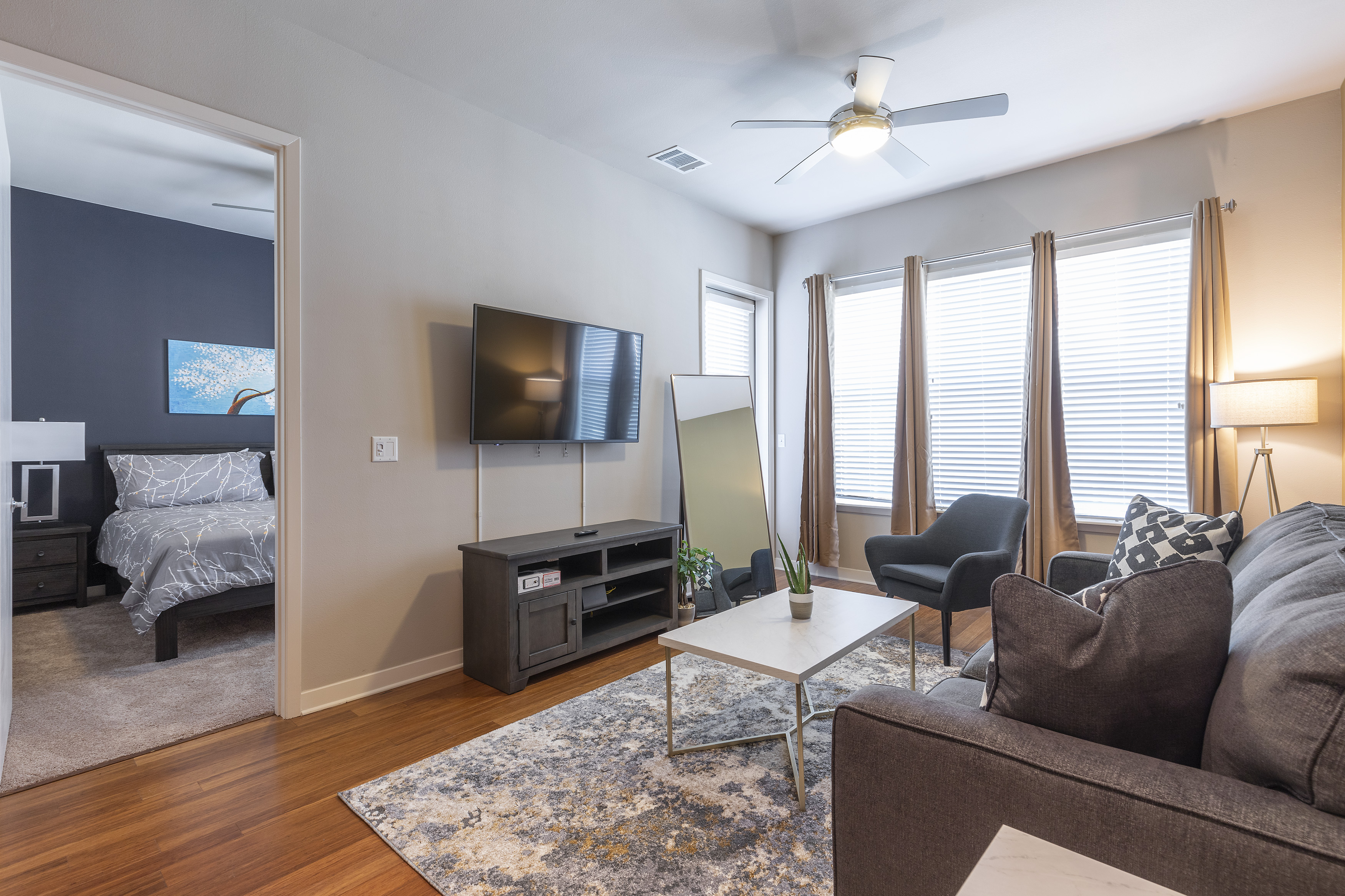 Apartment LUXURIOUS KING SIZED BED MED CENTER FULLY EQUIPPED CONDO photo 21440866