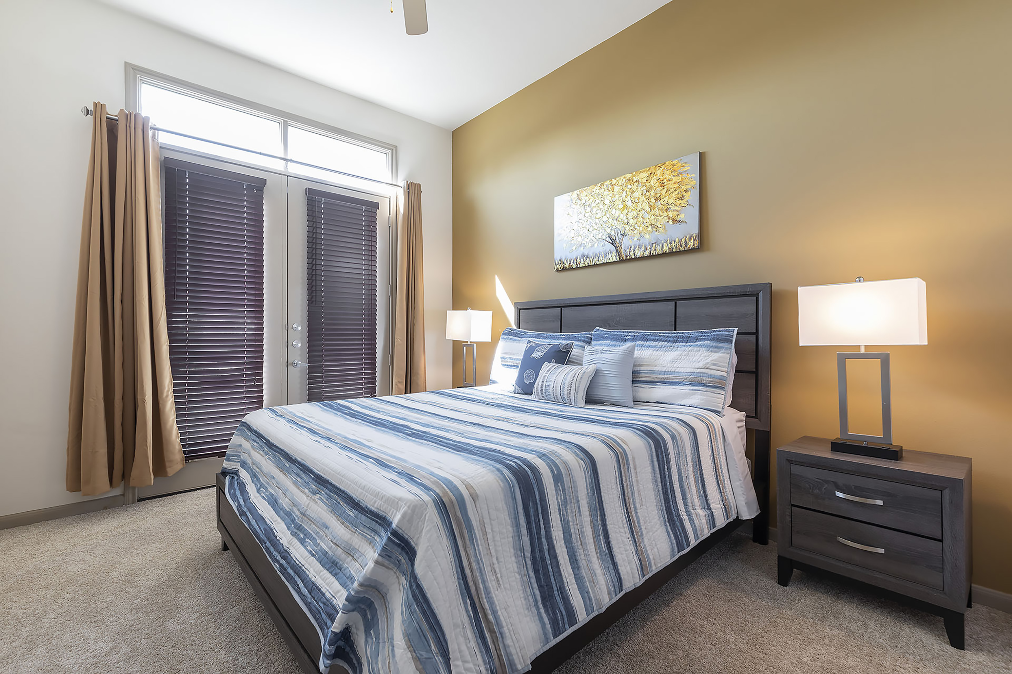 Apartment LUXURIOUS CALI KING BED MIDTOWN FULLY EQUIPPED CONDO -                 photo 21440936