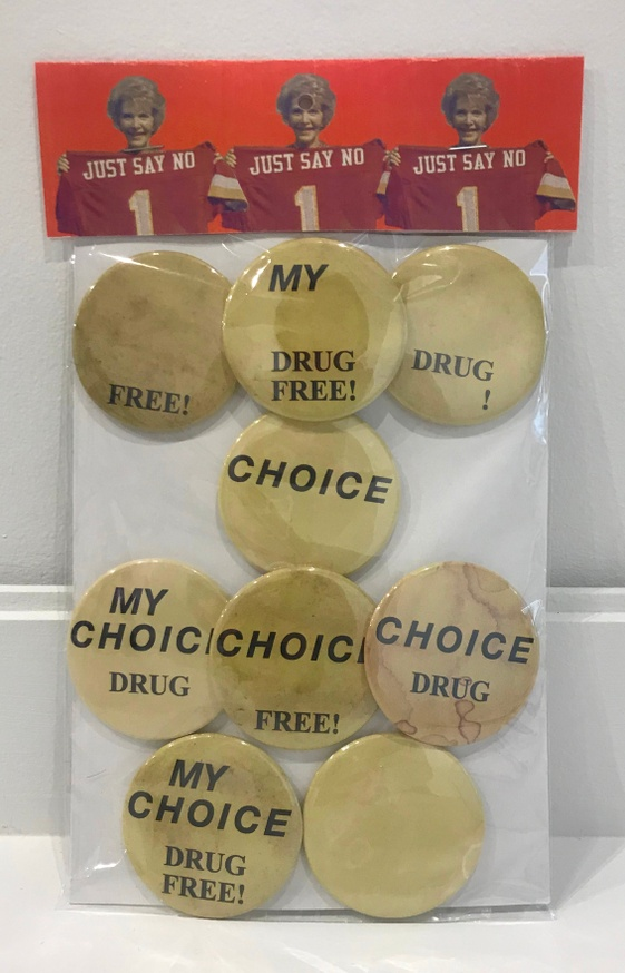 Drug Free Buttons