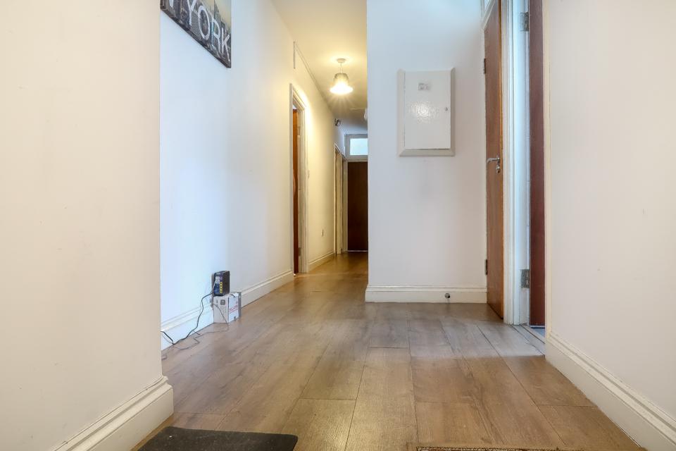 Apartment BROXBOURNE HOUSE 13 - DELUXE ROOM 3 photo 20444584