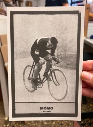 MOMO Retro-Cyclisme Postcard