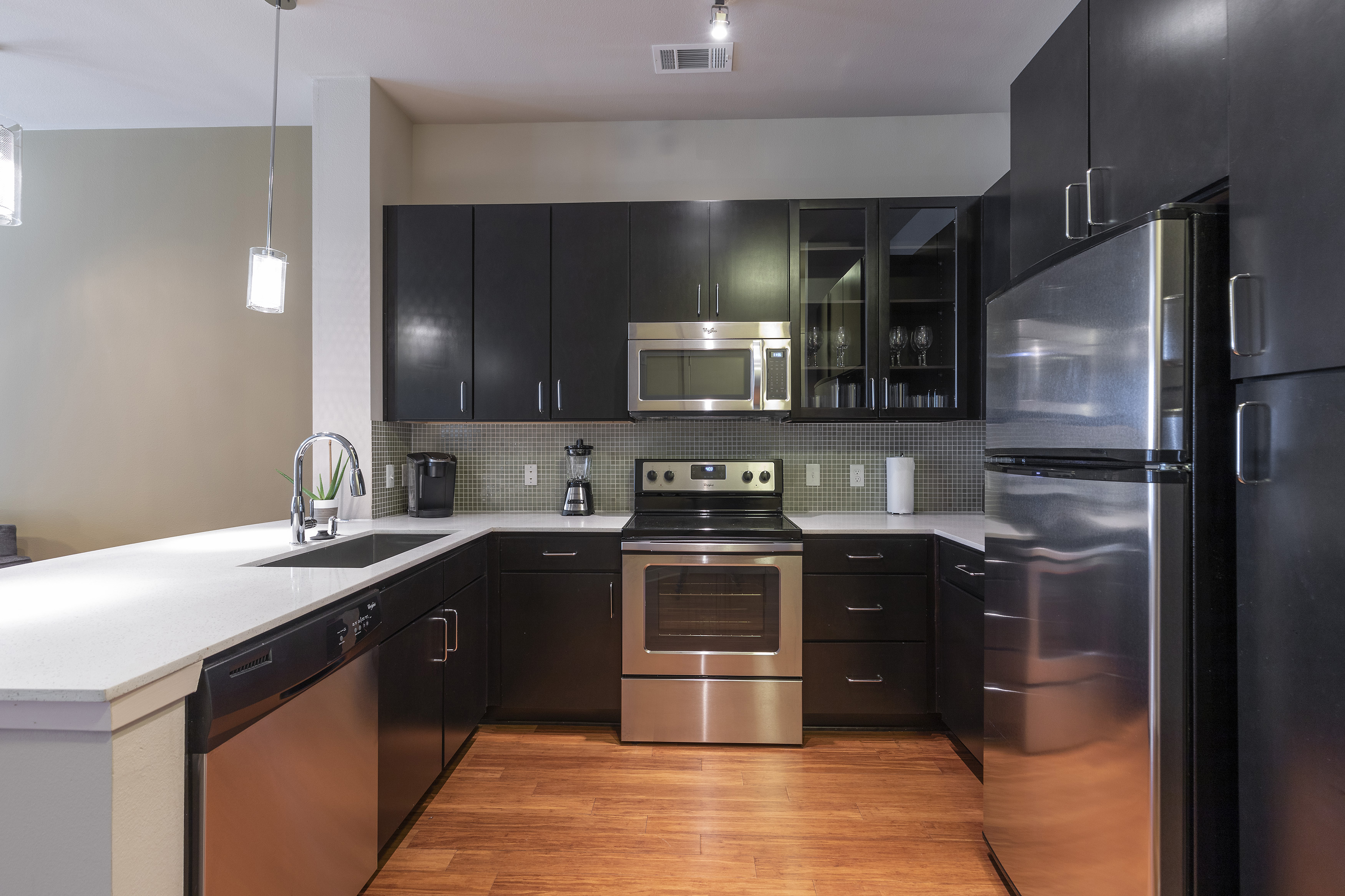 Apartment KING SIZE BED LUXURIOUS MED CENTER FULLY EQUIPPED CONDO photo 21441107