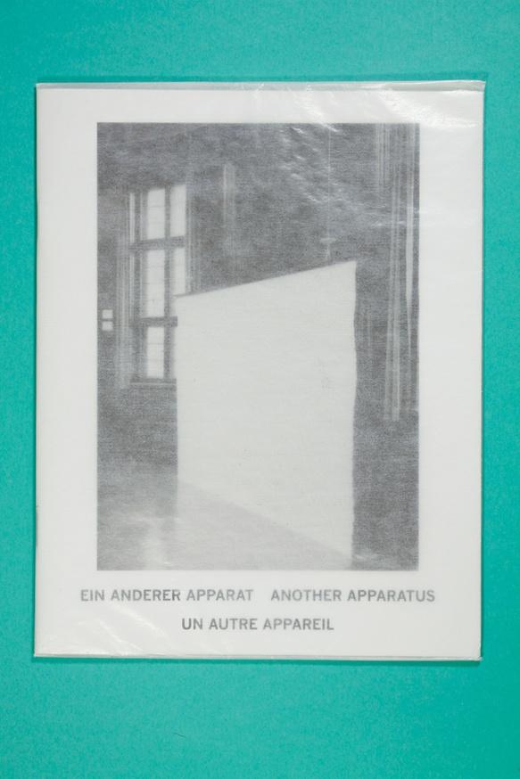 Ein Anderer Apparat/Another Apparatus/Un Autre Appareil thumbnail 3