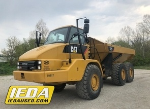 Used 2011 Caterpillar 725 For Sale
