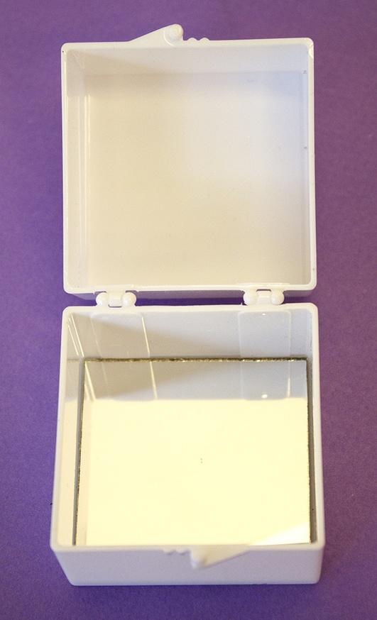 A Box of Smile [White] thumbnail 3
