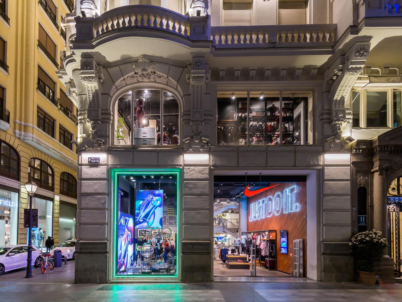 5bd91386827cf Nike Store Gran Via. Madrid