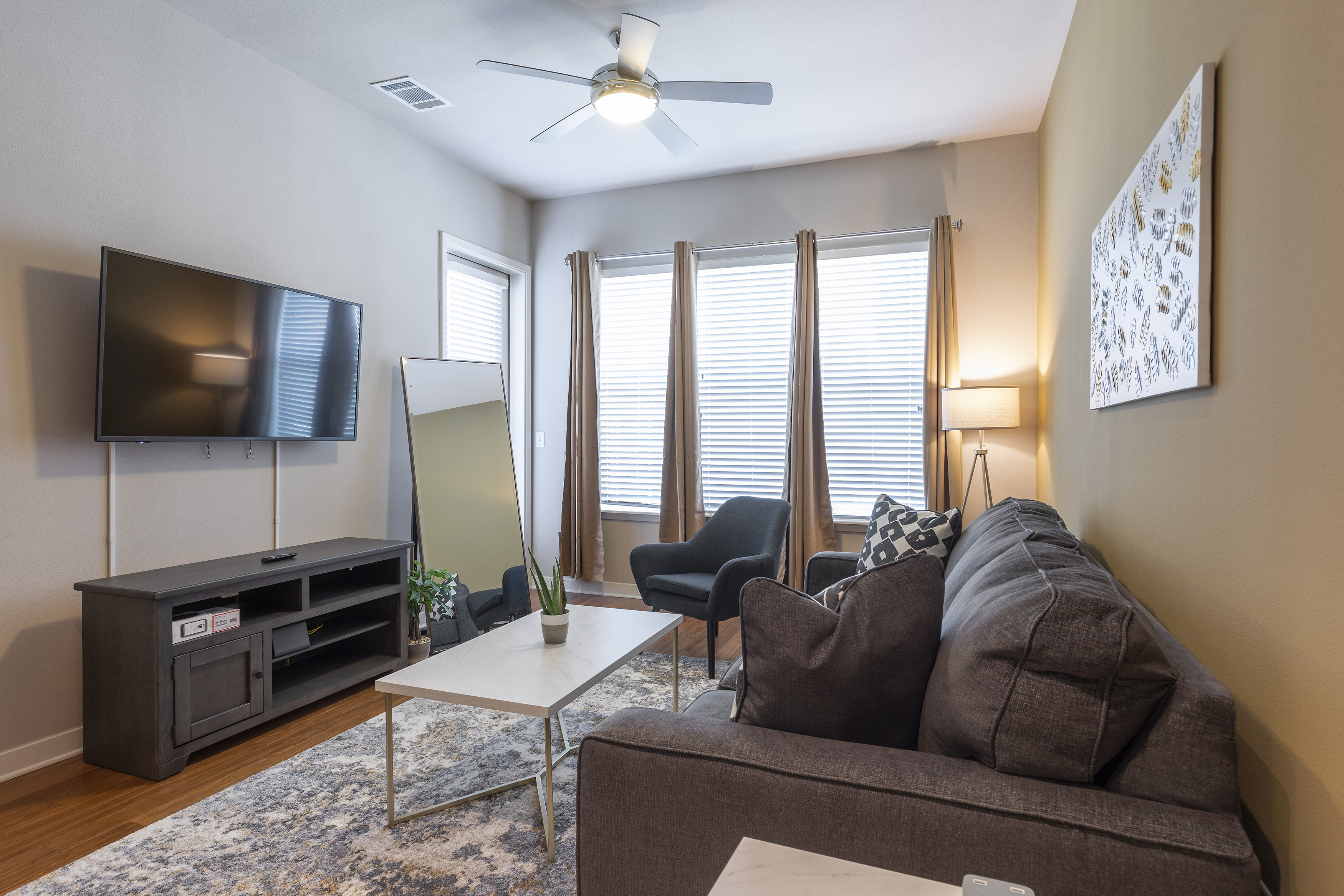 Apartment KING SIZE BED LUXURIOUS MED CENTER FULLY EQUIPPED CONDO photo 21441089