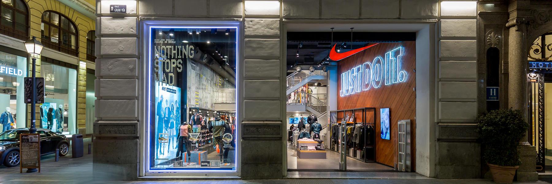 sports shoes 230bb 19fe5 Nike Store Gran Via - Madrid
