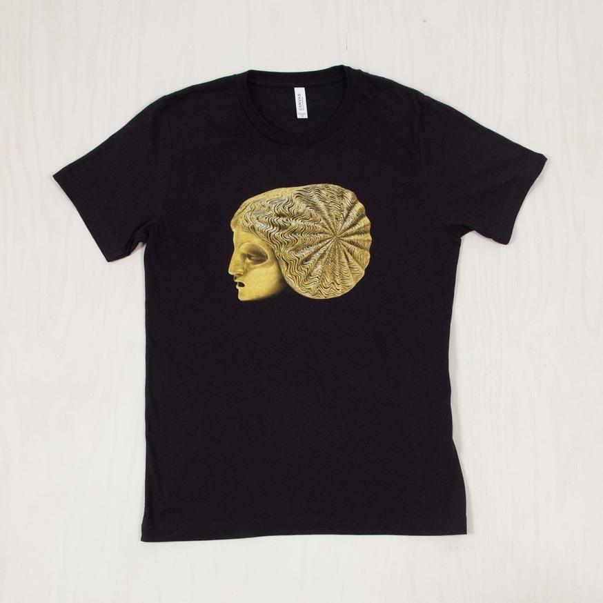 Sarah Peters T-Shirt [Medium]