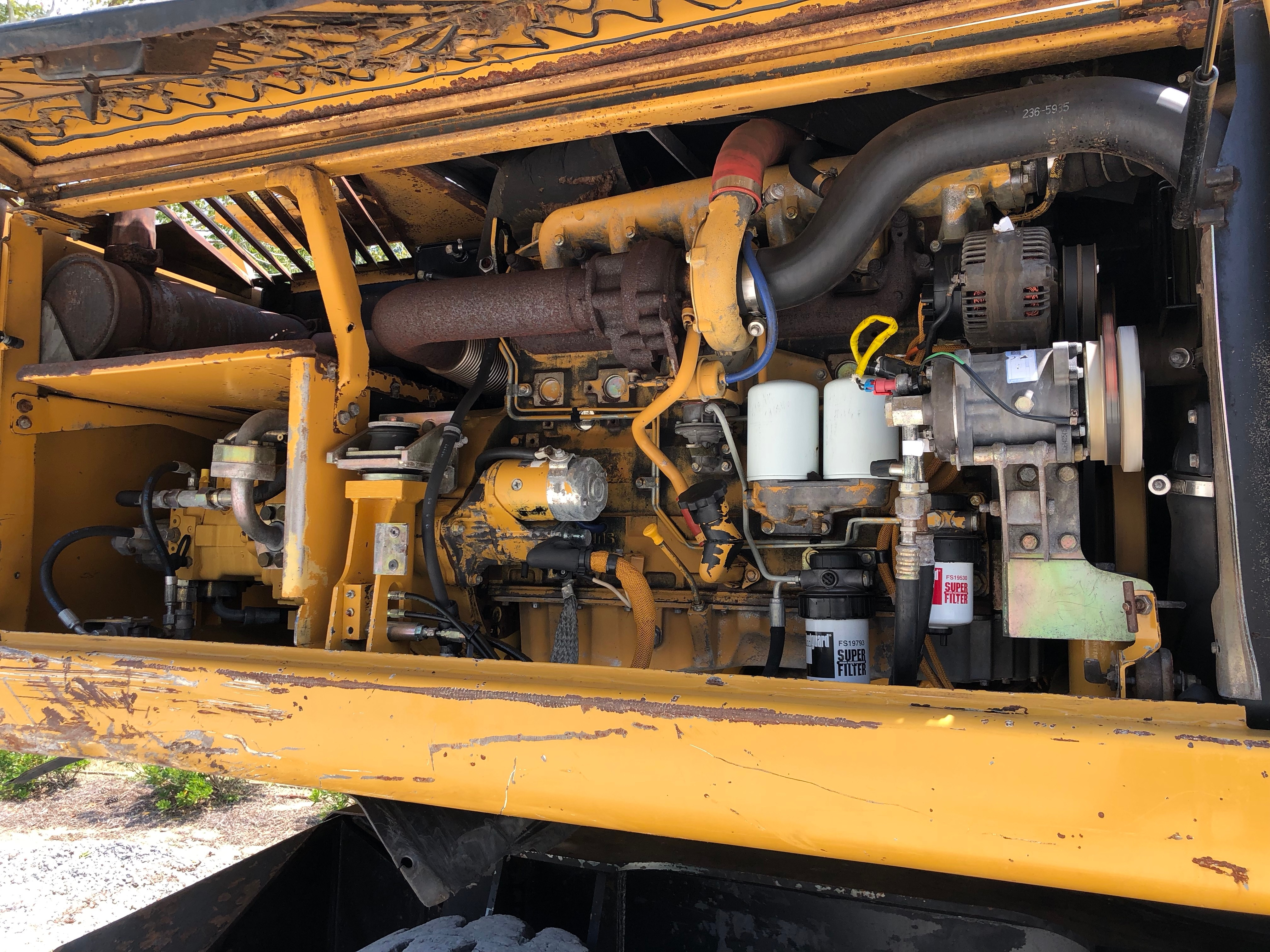 Used 2005 Caterpillar M322C MH For Sale