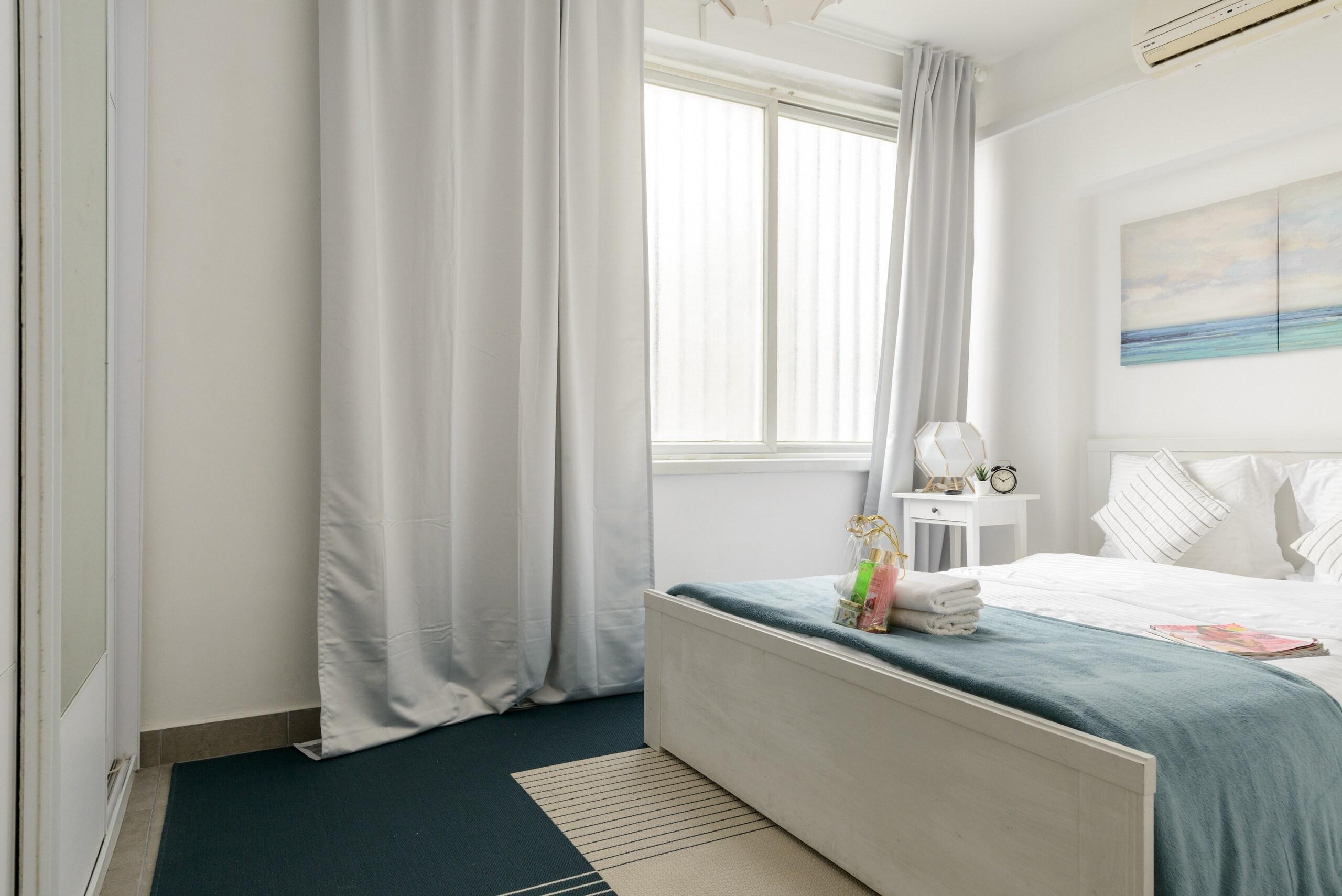 Sea View 2 bedroom apartment next to Hilton beach photo 21105483