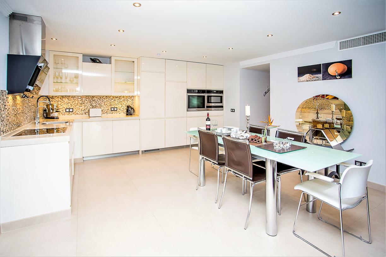 Apartment 8 Bedroom VILLA BY PUERTO BANUS   SEA 5 min                                photo 16747700