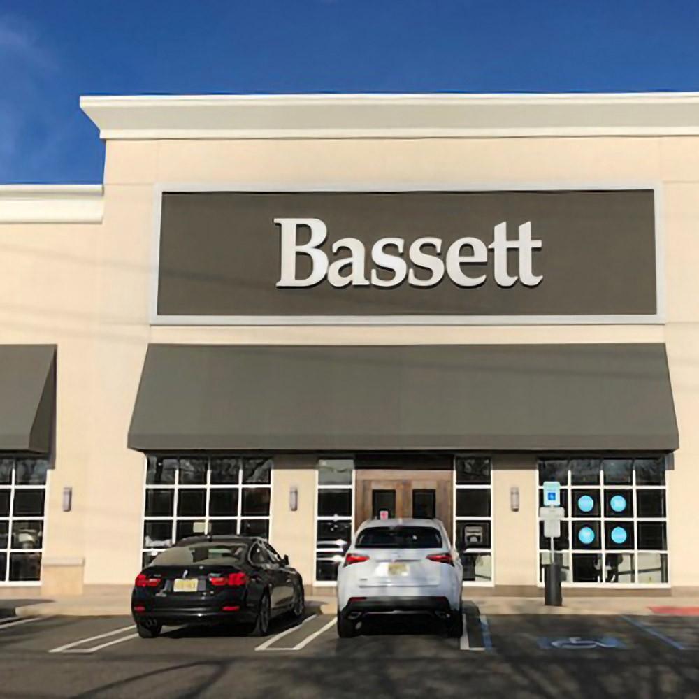Attirant Bassett Furniture