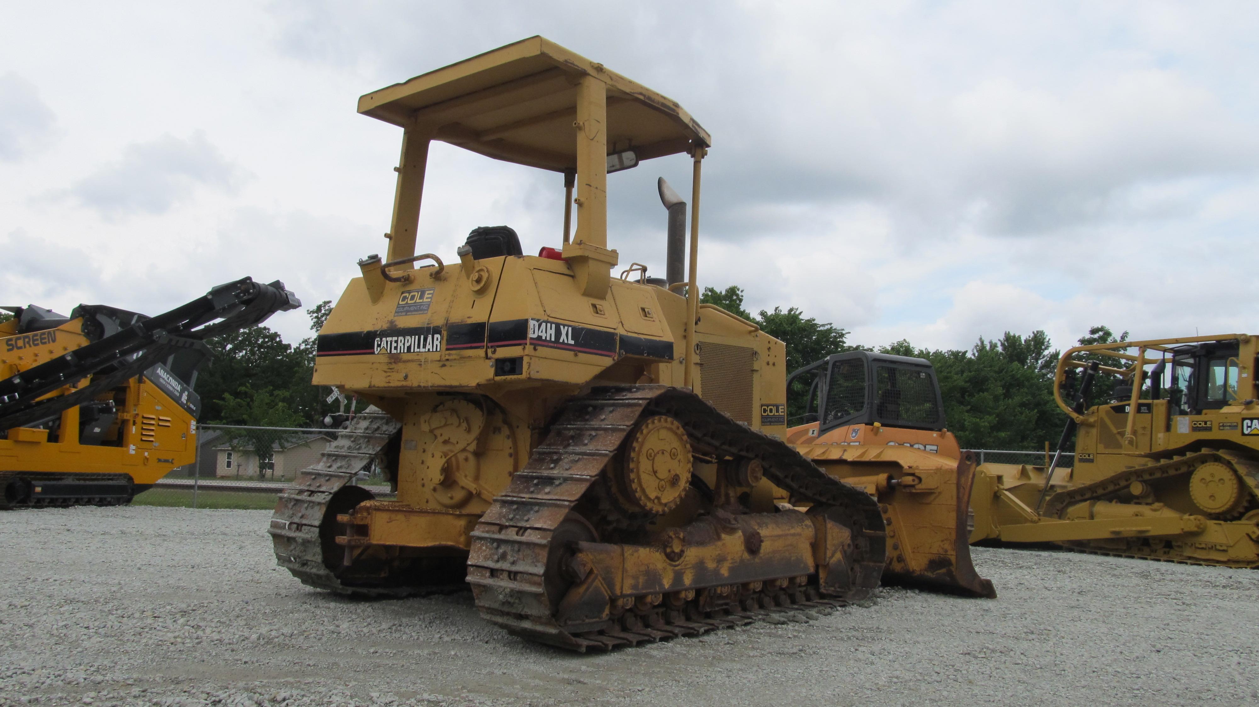 Detail photo of 1994 Caterpillar D4H XL from Construction Equipment Guide